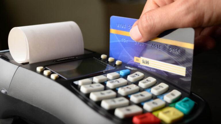 מה גורם ללקוח להוציא את האשראי